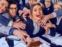 Geschäftsleute Büro Teamleute sind mit ihrem Führer unglücklich Stockfoto