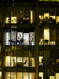 Geschäftsleute bei der Sitzung im Bürohaus Lizenzfreies Stockbild
