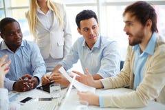 Geschäftsleute an der Anweisung Lizenzfreies Stockfoto