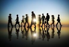 Geschäftsleute in der Bewegung geverwischt Stockbilder