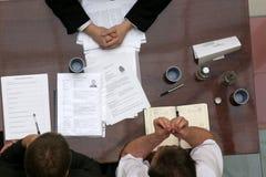 Geschäftsleute des Gespräches - Karosseriensprache Stockfotos