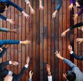 Geschäftsleute, die Arbeits-Team Teamwork Concept treffen Stockfotos