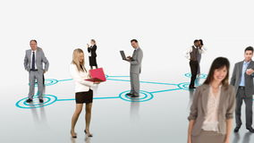 Geschäftsleute, die auf weißem Hintergrund anschließen stock video