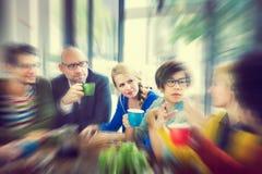 Geschäftsleute, die das Seminar teilt Unterhaltungsdenkendes Konzept treffen Stockbild