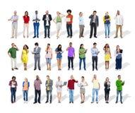 Geschäftsleute, die Digital-Geräte verwenden Lizenzfreies Stockbild