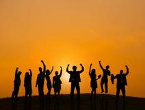 Geschäftsleute, die draußen Erfolg feiern Lizenzfreies Stockfoto
