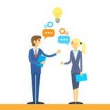Geschäftsleute, die Ideenebene besprechend sprechen Stockbild
