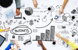 Geschäftsleute, die mit betriebswirtschaftlichen Problemen arbeiten Stockbild