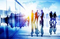 Geschäftsleute, die Verbindungs-Gesprächs-Konzept sprechen Lizenzfreies Stockbild