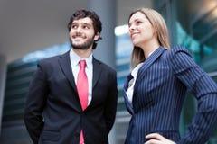 Geschäftsleute, die zur Zukunft schauen Stockfotos