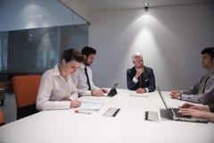 Geschäftsleute Gruppenbrainstorming auf Sitzung Stockfotografie