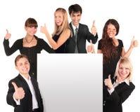 Geschäftsleute gruppieren mit Papier für Text Stockfoto