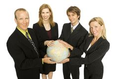 Geschäftsleute halten eine Kugel an Lizenzfreies Stockbild