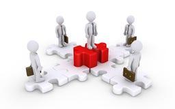 Geschäftsmänner auf verbundenen Puzzlespielstücken und Chef Stockfotos