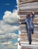 Geschäftsmänner, die oben steigen lizenzfreies stockfoto