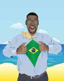 Geschäftsmannöffnungshemd, zum der brasilianischen Flagge aufzudecken Stockfoto