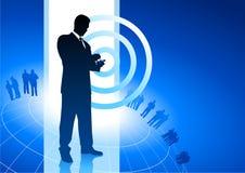 Geschäftsmann auf Telefongeschäftsinternet-Hintergrund Stockfoto
