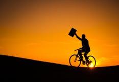Geschäftsmann On Bicycle Lizenzfreie Stockbilder