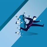 Geschäftsmann Breaking Wall des Hindernisses Lizenzfreies Stockfoto