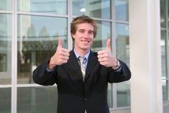 Geschäftsmann-Daumen oben (Fokus auf Daumen) Lizenzfreie Stockfotografie