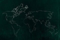 Geschäftsmann, der über Kontinenten auf Karte der Welt jumpying ist Lizenzfreies Stockbild