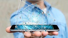 Geschäftsmann, der abstrakte Verbindungsschnittstelle über Telefon 3D hält Lizenzfreie Stockfotos