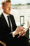 Geschäftsmann, der Anmerkungen macht Lizenzfreies Stockfoto