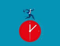 Geschäftsmann, der auf der Uhr darstellt Frist läuft Konzept Lizenzfreie Stockfotos
