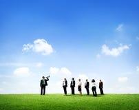 Geschäftsmann, der das Geschäfts-Team berät Lizenzfreie Stockfotografie