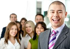 Geschäftsmann, der ein Team führt Lizenzfreie Stockfotos