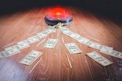 Geschäftsmann, der Geld mit einem Hufeisenmagnetkonzept für Geschäftserfolg, Strategie oder Habsucht anzieht lizenzfreies stockfoto
