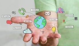 Geschäftsmann, der Hand gezeichnete Multimediaikonen hält Lizenzfreies Stockfoto