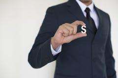 Geschäftsmann, der Hand hält Lizenzfreie Stockfotografie