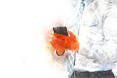Geschäftsmann, der Handy auf Aquarellillustrationsmalerei spielt lizenzfreie stockbilder