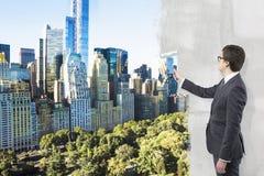 Geschäftsmann, der New- Yorkansicht mit Farbe umfasst Lizenzfreies Stockbild