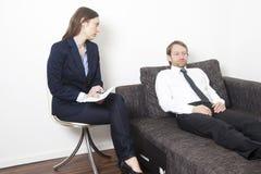 Geschäftsmann an der Psychoanalyse lizenzfreie stockfotos