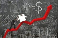 Geschäftsmann, der Puzzlen auf roter Trendlinie mit Gekritzeln drückt Lizenzfreie Stockfotos