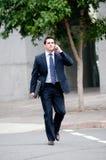 Geschäftsmann in der Stadt stockfoto