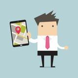 Geschäftsmann, der Tablet-Computer mit Navigationskarte hält Stockbilder