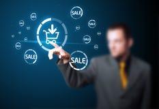 Geschäftsmann, der virtuelle Förderung bedrängt Lizenzfreies Stockbild