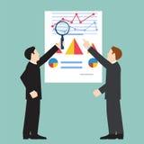 Geschäftsmann, der wirtschaftliche Statistik, Netzanalytik überprüft vektor abbildung