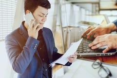 Geschäftsmann entwickeln Geschäft stockfoto