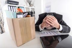 Geschäftsmann gefeuert wegen der schlechten Ergebnisse Lizenzfreie Stockfotos
