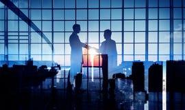 Geschäftsmann-Händedruck-Abkommen-Verpflichtungs-Stützkonzept Stockfotografie