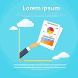 Geschäftsmann-Hand Laptop Screen-Finanzpapier Lizenzfreies Stockfoto