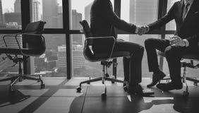 Geschäftsmann-Handshake Corporate Colleagues-Konzept stockfotografie