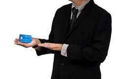 Geschäftsmann hol-Kreditkarte Stockbild