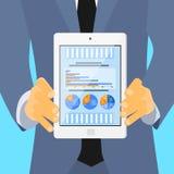 Geschäftsmann-Hold Tablet Computer-Finanztorte vektor abbildung