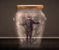 Geschäftsmann innerhalb eines Glasgefäßes mit Blitzzeichnungskonzept Stockbild
