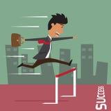 Geschäftsmann laufen gelassen mit dem Springen über Hürde Stockfotografie